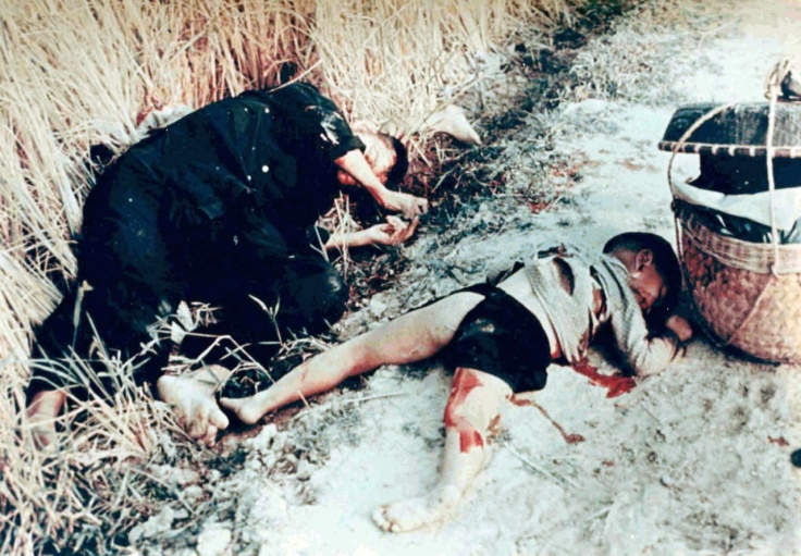 Dead_man_and_child_from_the_My_Lai_massacre.jpg
